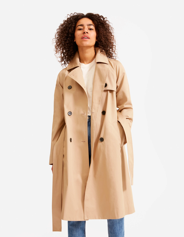 "Every wardrobe needs a good trench coat, and this style from Everlane will come in handy for years to come. $148, Everlane. <a href=""https://www.everlane.com/products/womens-modern-trench-coat-khaki?collection=womens-outerwear"" rel=""nofollow noopener"" target=""_blank"" data-ylk=""slk:Get it now!"" class=""link rapid-noclick-resp"">Get it now!</a>"