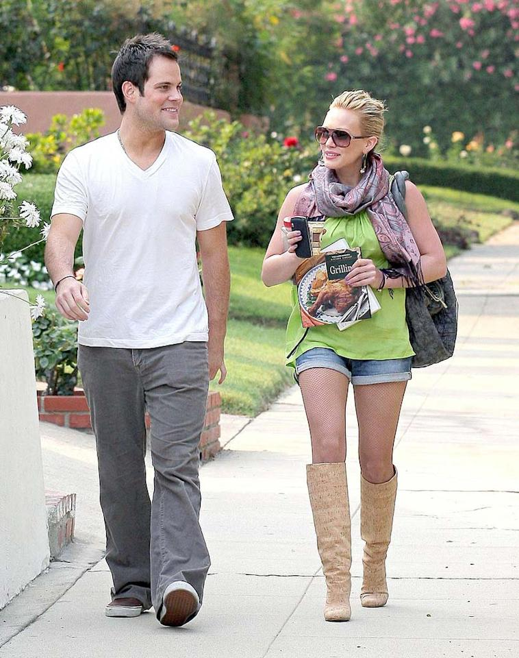 "Hilary Duff and her main squeeze, hockey player Mike Comrie, take a lovely evening stroll in Los Angeles. Andrew Shawaf/<a href=""http://www.pacificcoastnews.com/"" target=""new"">PacificCoastNews.com</a> - June 25, 2008"