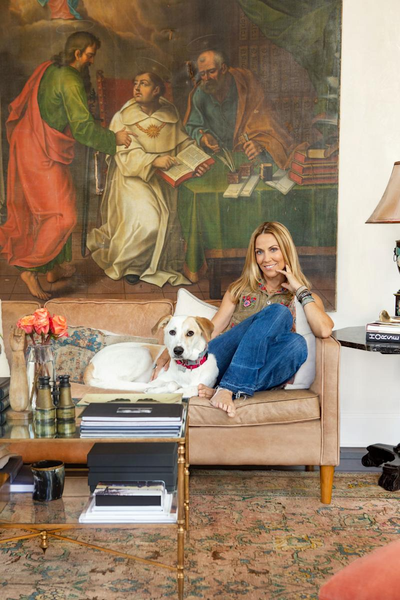 In Sheryl Crow's Nashville home, antiques abound.