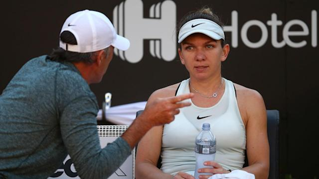 Both Simona Halep and Maria Sharapova struggled to serve with any consistency in Rome on Saturday, but the world number one triumphed.