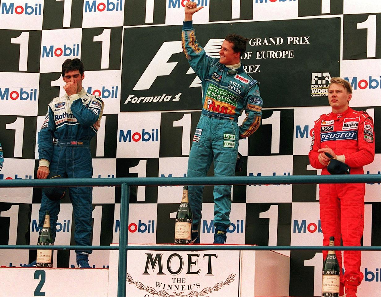 SPAIN - OCTOBER 16:  FORMEL 1: GP VON EUROPA 1994 in Jerez 16.10.94, Damon HILL (2. Williams Renault) Michael SCHUMACHER (1. Benetton Renault), Mika HAEKKINEN (3. McLaren Peugeot)  (Photo by Mark Sandten/Bongarts/Getty Images)