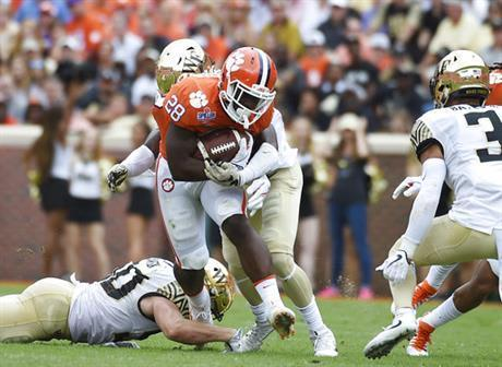 No. 2 Clemson tops Wake Forest 28-14 as Bryant injured