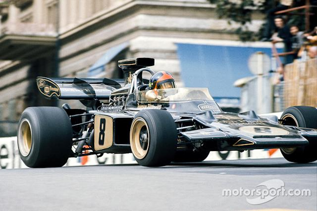 """Emerson Fittipaldi, Lotus 72D Ford <span class=""""copyright"""">LAT Images</span>"""