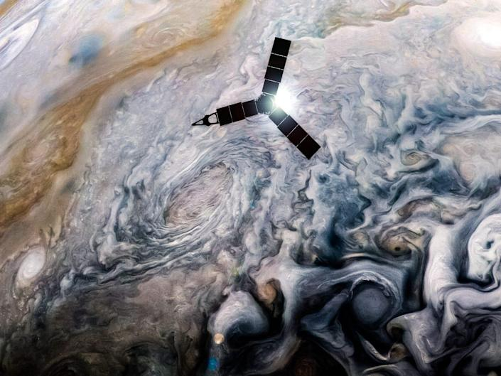 juno mission spacecraft probe fly over jupiter clouds storms perijove 7 nasa jpl msss swri kevin m gill 39151111202_e315b52f52_o