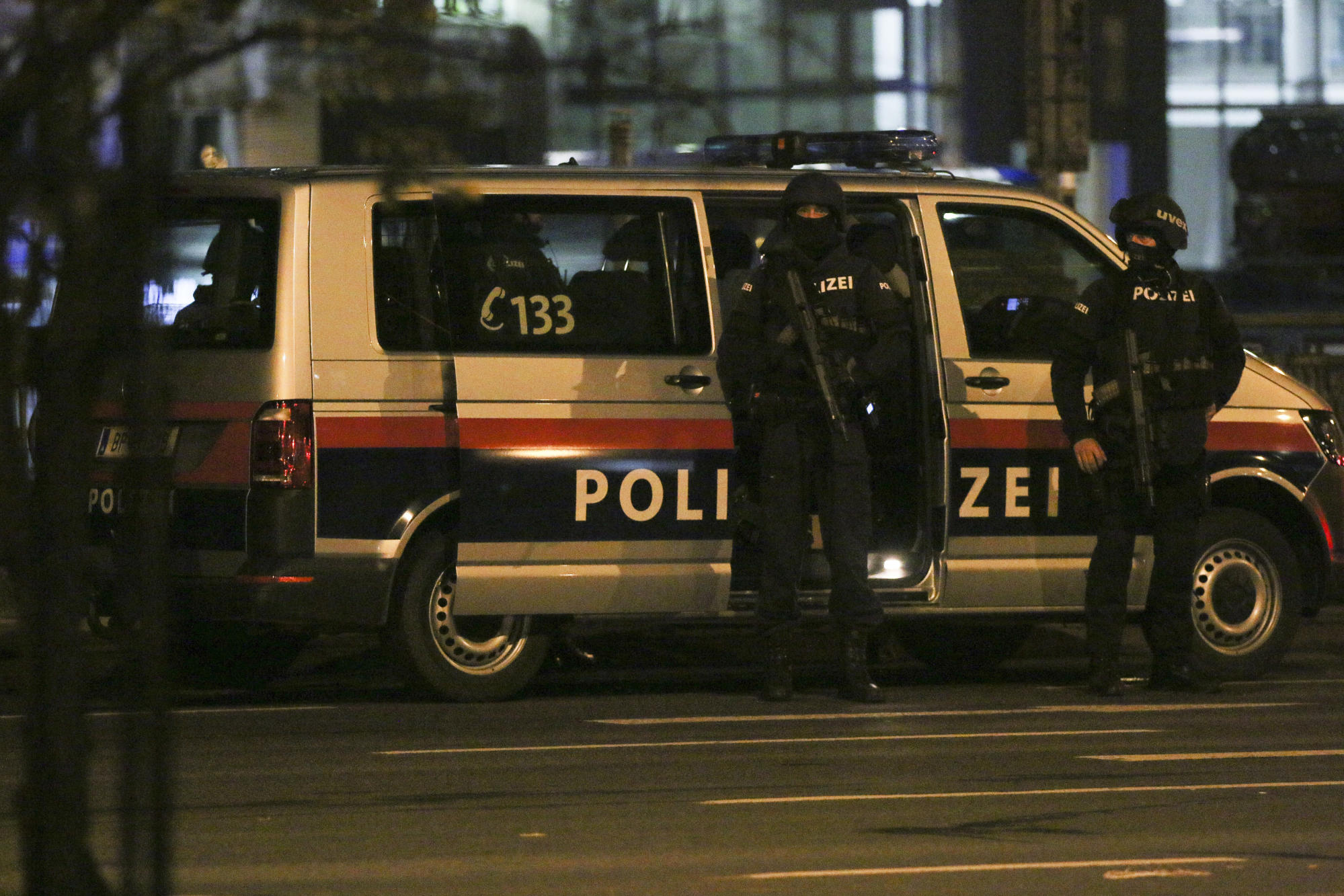 4 dead in Vienna shooting; attacker sympathized with IS