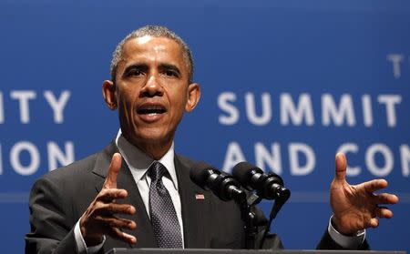 Obama speaks at the Summit on Cybersecurity and Consumer Protection in Palo Alto, California