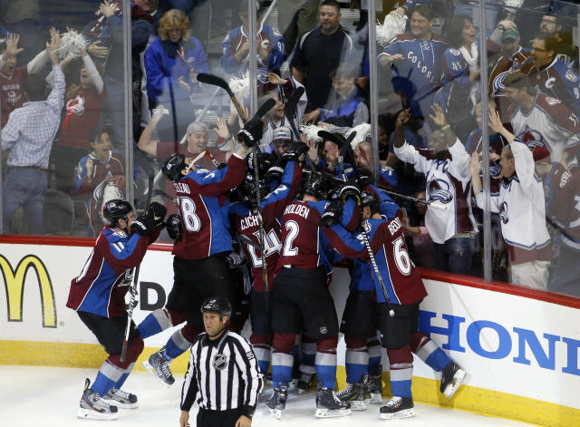 Paul Stastny ties game, wins it in OT to give Avalanche Game 1 over Wild (Video)
