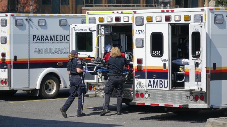 Ottawa pulls out of tentative deal with rural paramedics