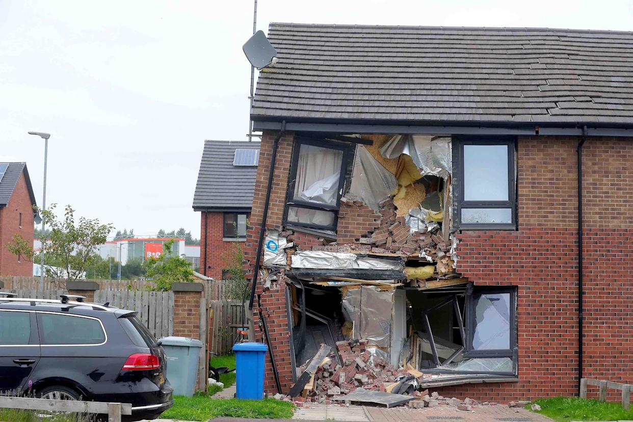 A lorry crashed in to house in East Kilbride. (Reach)