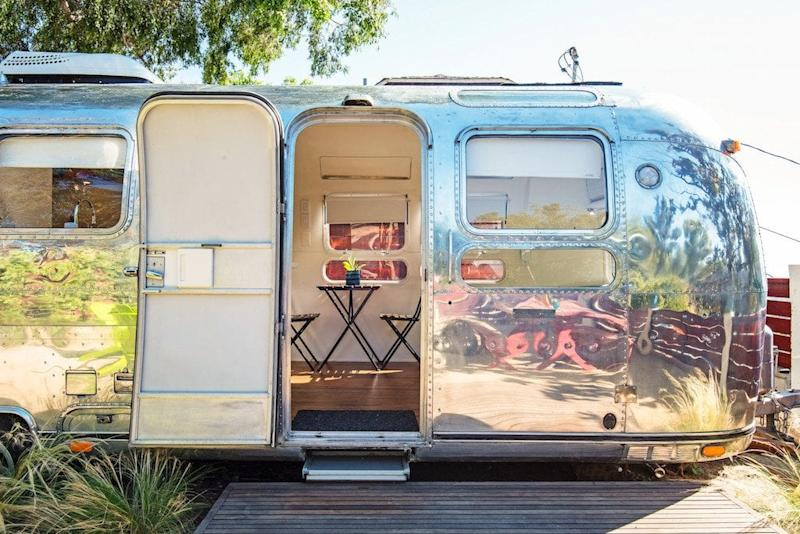 Airbnb Beat Expedia in Booked Room Nights