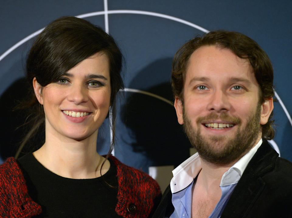 WEIMAR, GERMANY - DECEMBER 12:  Nora Tschirner and Christian Ulmen attend the premiere of 'Tatort - Die Fette Hoppe' at Deutschen Nationaltheater on December 12, 2013 in Weimar, Germany.  (Photo by Jens-Ulrich Koch/Getty Images)