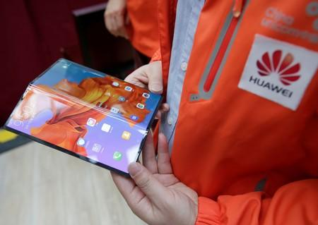 Huawei delays global launch of foldable phone by three months