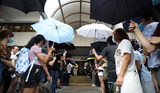 Supporters of the protesters at Eastern Court in Sai Wan Ho. Photo: Winson Wong