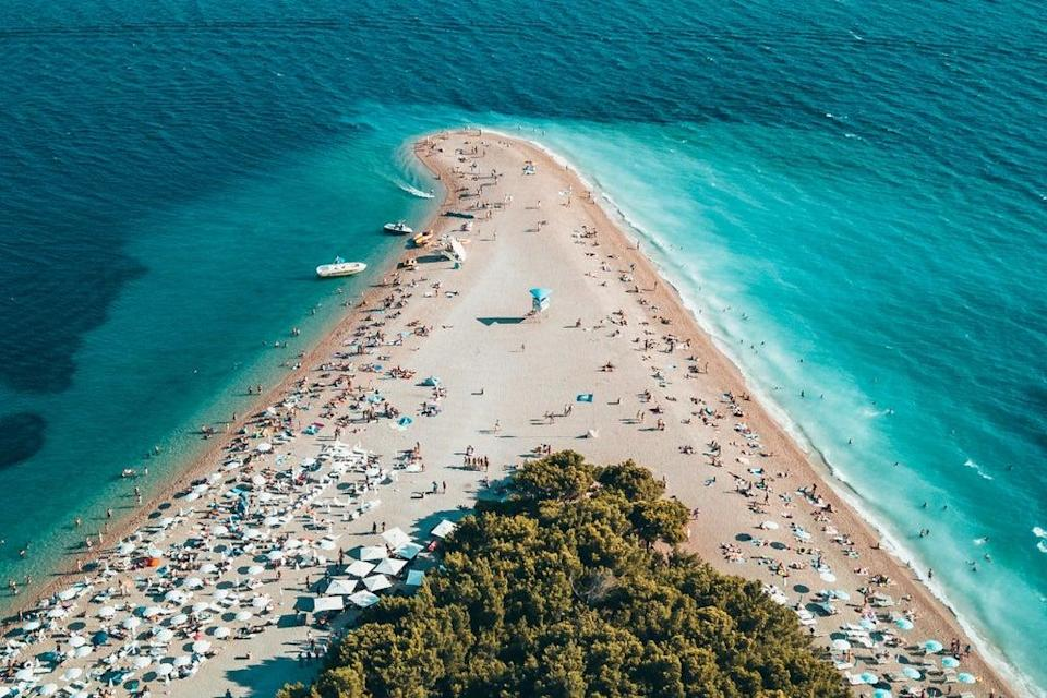 Travel company On the Beach is offering free Covid tests to returning holidaymakers (Oliver Sjöström via Unsplash: https://unsplash.com/photos/MOeRYee8HIE)
