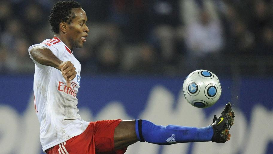 <p>Famed for his drastic and ever-changing haircuts, Ze Roberto is another Brazilian who spent over a decade in Germany's top flight for Bayer Leverkusen, Bayern Munich and Hamburger SV. </p> <br /><p>The 43-year-old has made more Bundesliga appearances than any other Brazilian, taking to the field 386 times. Ze Roberto won four Bundesliga and DFB-Pokal titles with Bayern, although it was during his time at Real Madrid where he lifted the Champions League. </p> <br /><p>The quick, hard working man was a versatile asset to each side he represented, as he was able to play on the left-hand side of defence, as well as across midfield. His calm play on the ball meant that he could slow play down, but he was also able to start attacks quickly with precise passing. </p> <br /><p>He currently plays for Palmeiras, where he has a contract until the end of 2017.</p>
