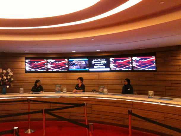 "Lido's swanky new ticket lobby is a far cry from its previous 1970s ""booth counters"". (Yahoo! photo / Jeffrey Oon)"