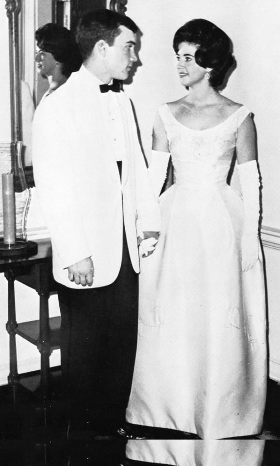 Paula Deen (Hiers), Senior Year at Albany High School in Albany, Georgia (1965) Would you expect anything less from a true Southern lady than a perfect prom picture? The raven-haired beauty was dressed in traditional Southern style for her senior prom. View the entire prom gallery at Snakkle.com