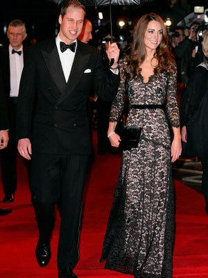 <p>The royal couple walk the red carpet in London.</p>