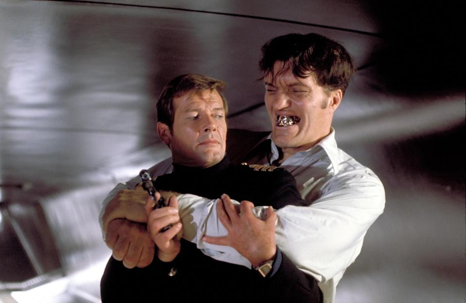 THE SPY WHO LOVED ME, Roger Moore, Richard Kiel, 1977.<br>(Photo: Everett Collection)