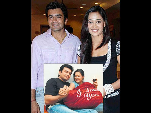 <b>Shweta Tiwari </b><br>The most popular beti of Indian Television, Shweta Tiwari, is another victim of domestic violence. Before her divorce the actress had been pouring her heart out in interviews about troubled relationship with her husband. The abusive marriage lasted 14 years and came to an end with Shweta's allegations about domestic abuse in court against Raja. She claimed that Raja would come home drunk and physically harm her. During their marriage also, Shweta had reported against Raja several times in police stations for physical and verbal abuse.