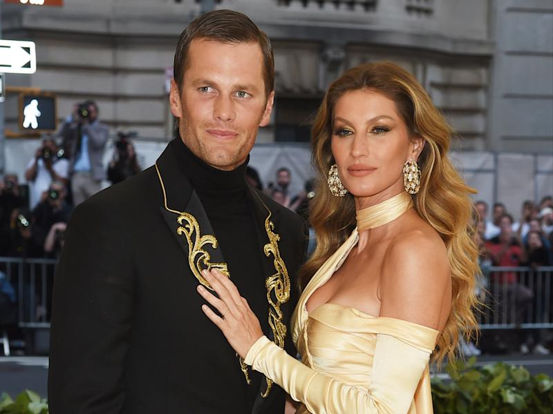 Tom Brady says game day warm-up doesn't include sex with Gisele Bündchen (Getty Images)