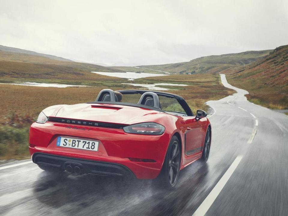 718 Boxster T。