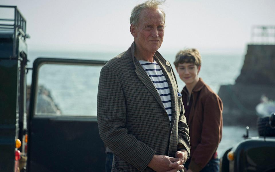 Charles Dance's Lord Mountbatten admonishes Josh O'Connor's Charles for his pursuit of Camilla