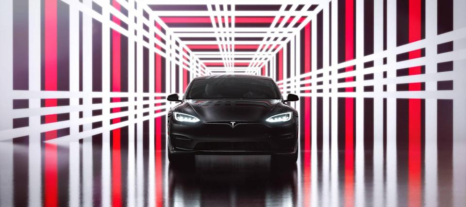 Tesla's self-driving cars a step toward a future without auto insurance