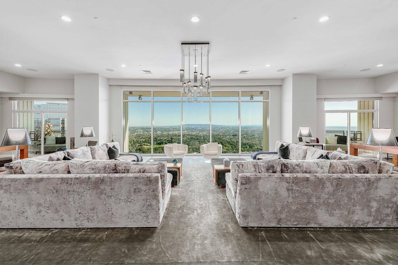 <p>The actor worked with architect Scott Joyce and designer LM Pagano on the interiors.</p>