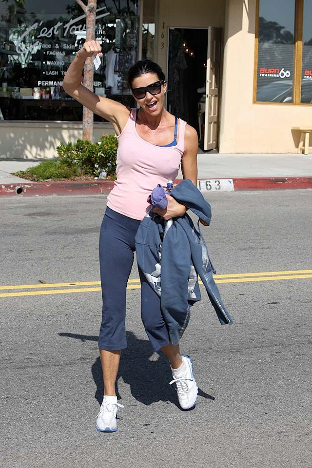 """As expected, Janice hammed it up on her way home. She may be a clown, but at least she doesn't take herself too seriously ... like so many others in Hollywood. AKM IMAGES/<a href=""""http://www.splashnewsonline.com"""" target=""""new"""">Splash News</a> - May 4, 2010"""