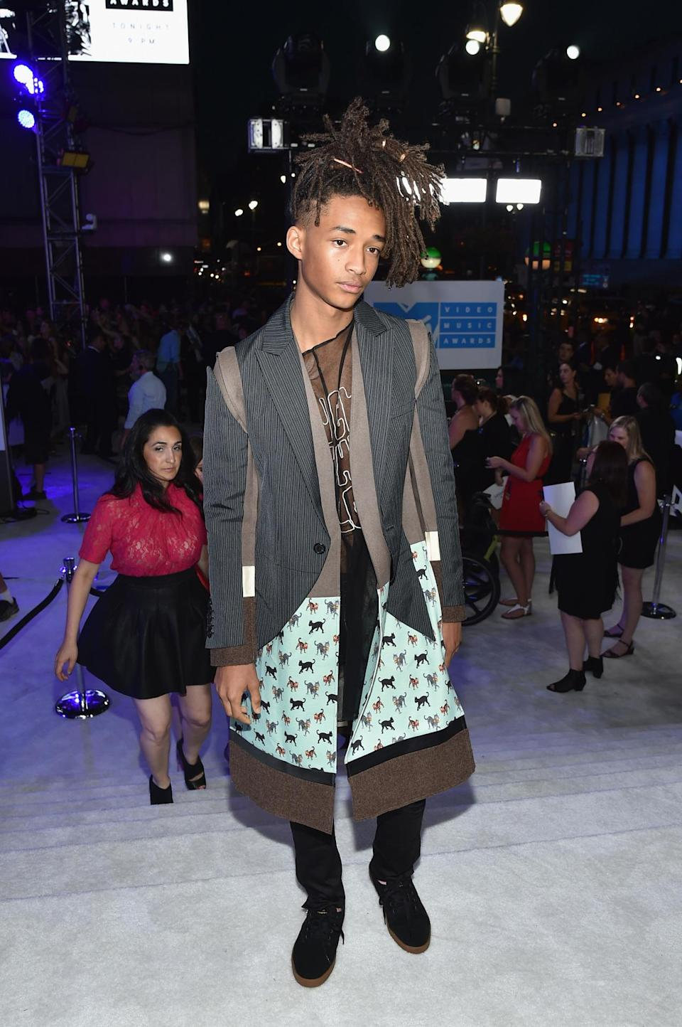 <p>Will Smith's 18-year-old son elected to wear a cat print jacket. </p><p><i>(Photo: Getty Images)</i><br></p>