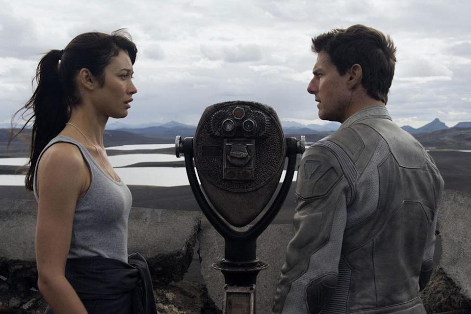 Tom Cruise was 51 and Olga Kurylenko was 34 in 'Oblivion' Age gap: 17 years