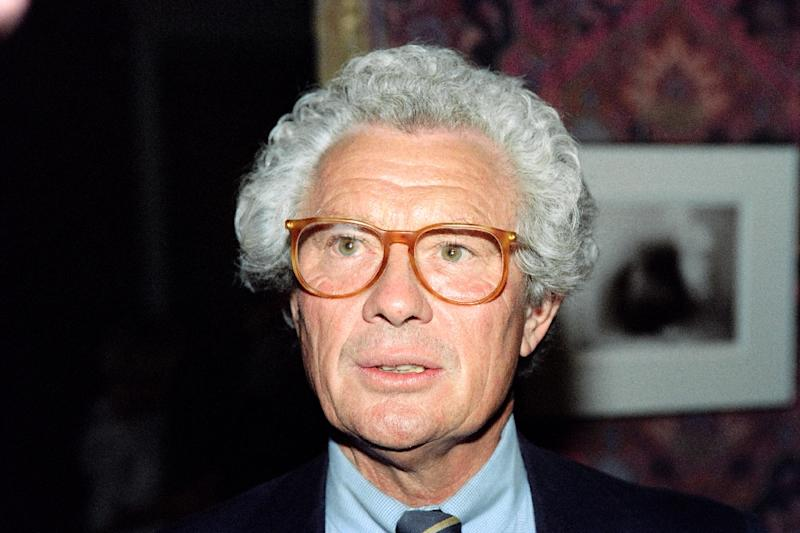 British photographer David Hamilton, known for his widely published nude images of underage girls, was found in a state of cardiac arrestat his Parisian home late on November 25 and declared dead an hour later