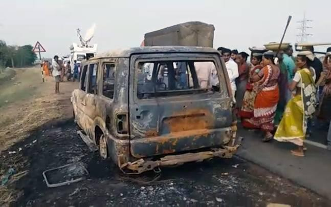 Andhra Pradesh: Woman burnt alive after SUV catches fire on highway, husband escapes unhurt