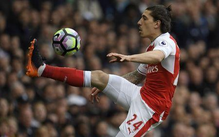 Britain Football Soccer - Tottenham Hotspur v Arsenal - Premier League - White Hart Lane - 30/4/17 Arsenal's Hector Bellerin in action Reuters / Toby Melville Livepic