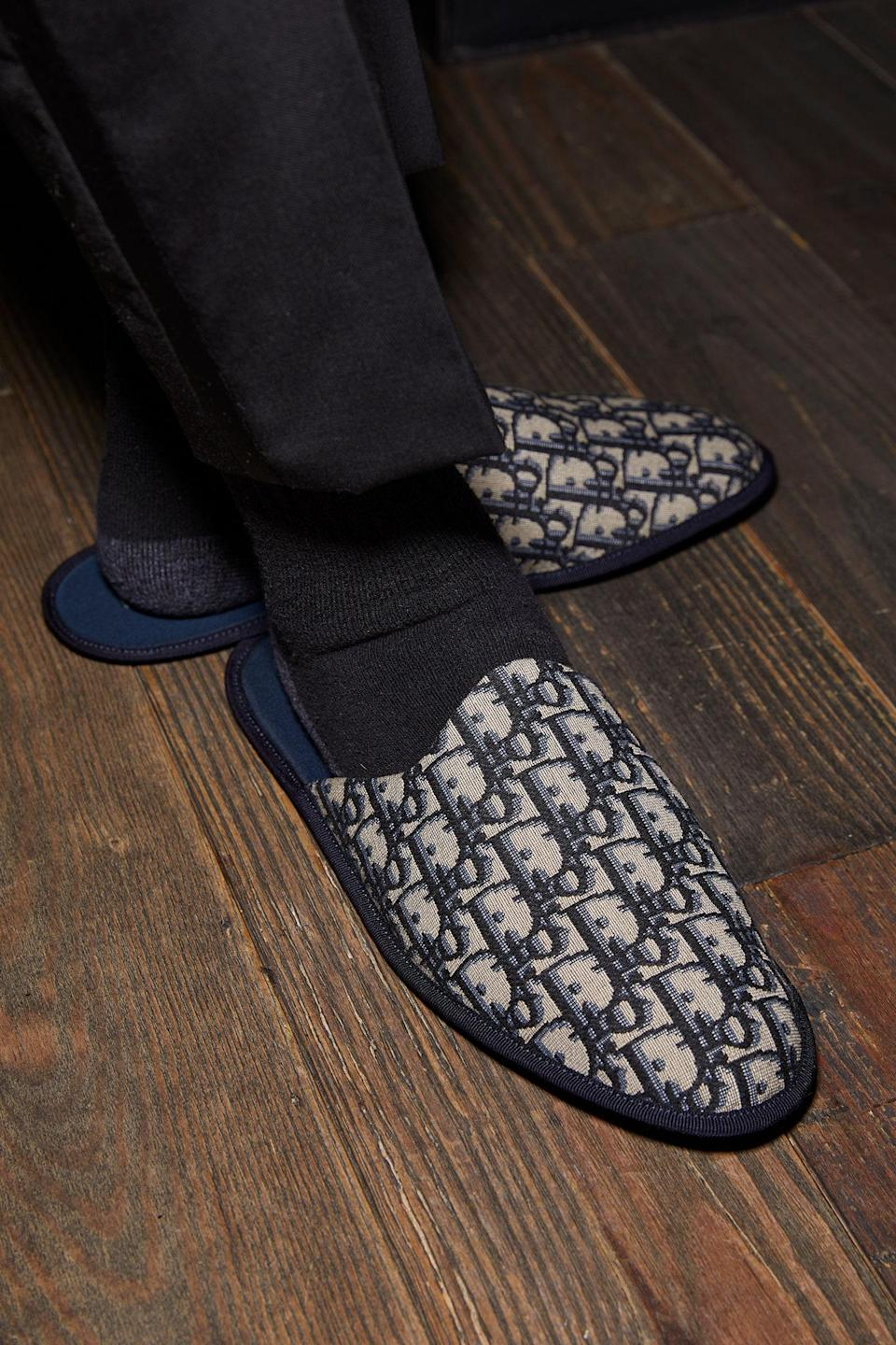 Dior Oblique slippers. The perfect balance between style and comfort.