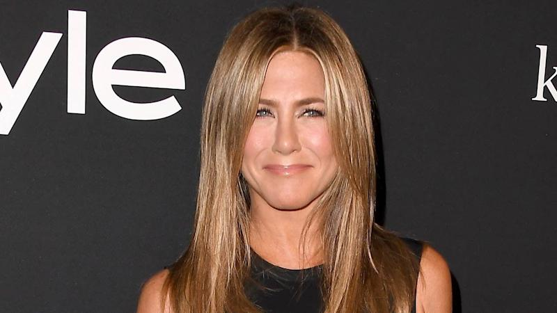 a22a6f593210 Jennifer Aniston 'Burst Into Tears' After Recording Song With Dolly  Parton ...