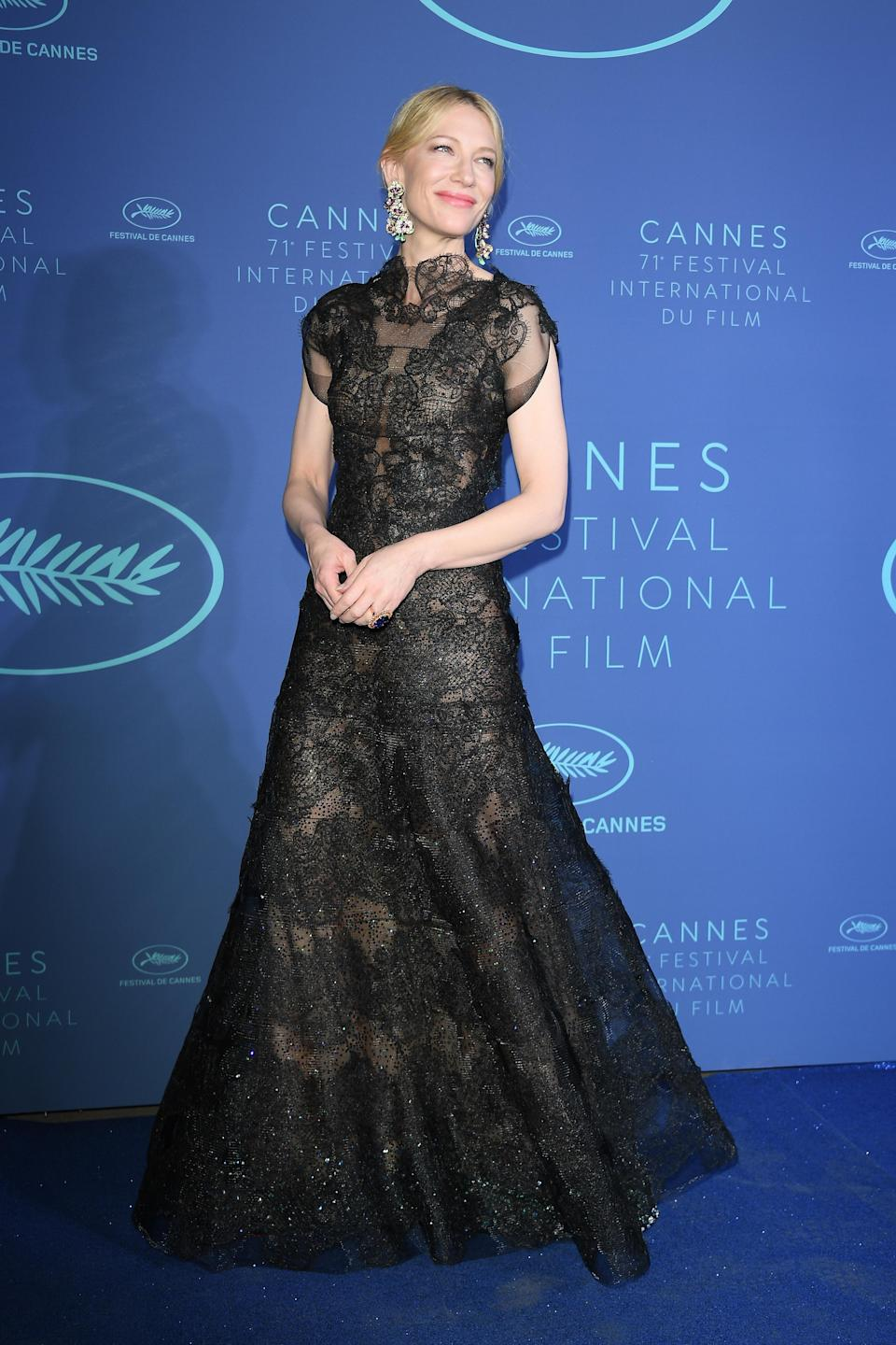 <p>Cate Blanchett decided on a gorgoeusly gothic Armani Prive gown from the brand's autumn/winter 2013 collection.<em> [Photo: Getty]</em> </p>