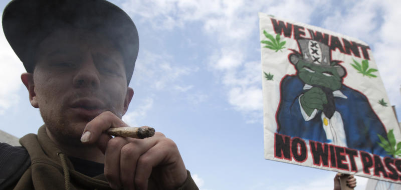 Dutch govt scraps 'weed pass' for coffee shops