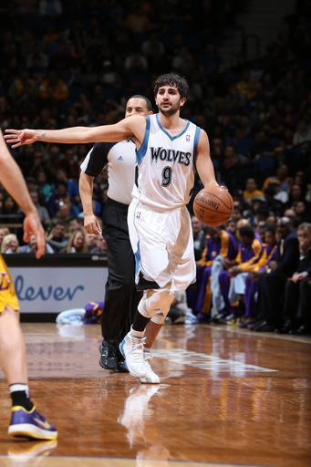 MINNEAPOLIS, MN - MARCH 27: Ricky Rubio #9 of the Minnesota Timberwolves calls a play and dribbles up the court against the Los Angeles Lakers during the game on March 27, 2013 at Target Center in Minneapolis, Minnesota. (Photo by David Sherman/NBAE via Getty Images)