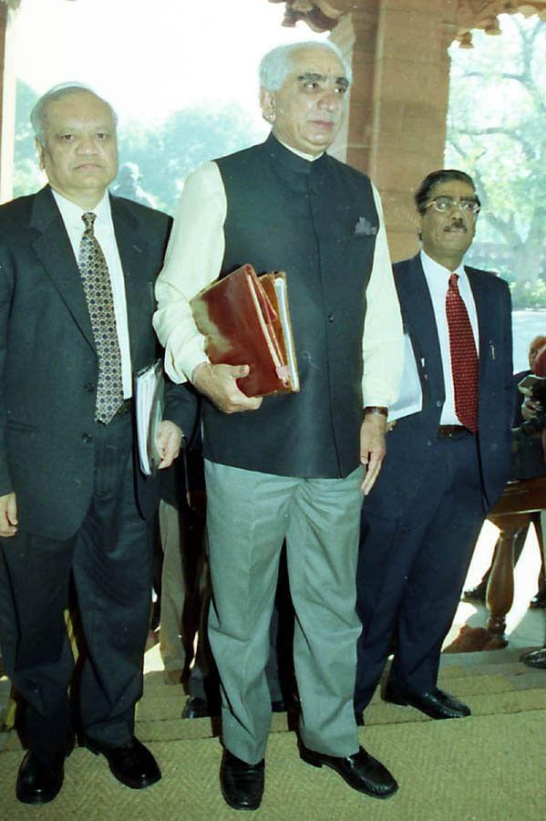 Union Finance Minister Jaswant Singh (centre) entering Parliament to present Interim General Budget in New Delhi on February 3, 2004.