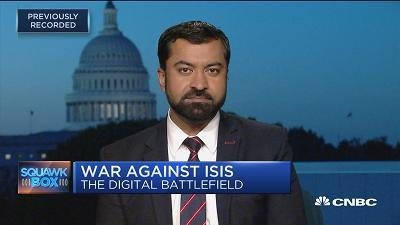 "Haroon Ullah, terrorism expert and ""Digital World War"" author, discusses how extremist terror group ISIS is rapidly making gains in the digital world."