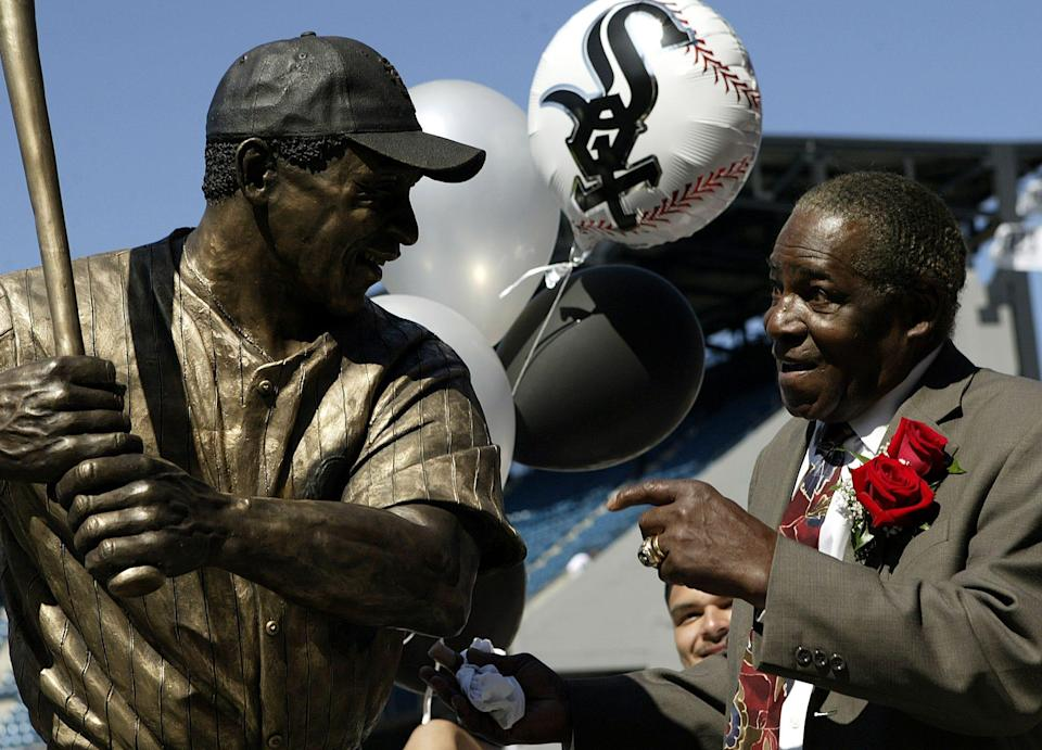 The Chicago White Sox unveiled the life-sized sculpture of Minnie Minoso at U.S. Cellular Field in 2004.