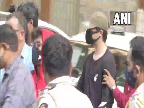Visual of three persons arrested by NCB in Mumbai (Photo/ANI)
