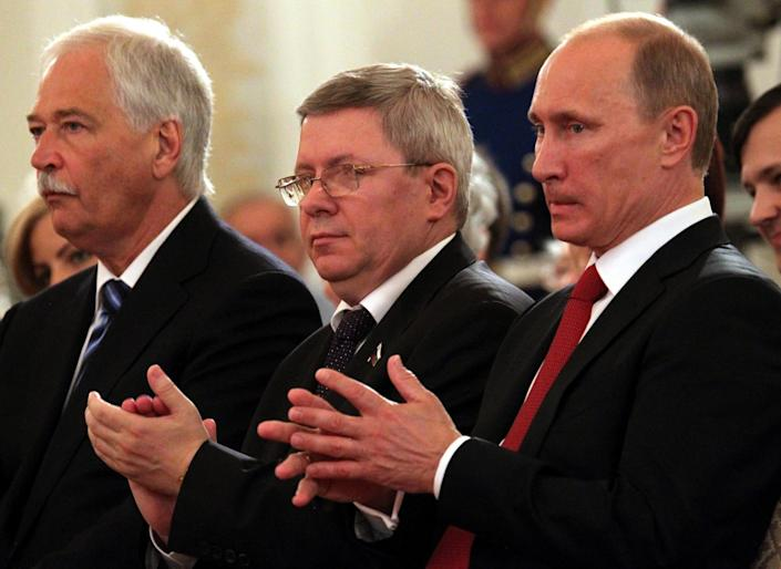Russian Prime Minister Vladimir Putin (R) , State Duma Speaker Boris Gryzlov (L) and Federation Council Deputy Chief Alexander Torshin (C) attend a presentation ceremony of state awards in the Kremlin on June 12, 2011 in Moscow, Russia. (Photo: Konstantin Zavrazhin/Getty Images)