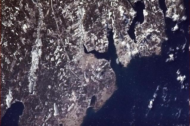 Sydney, Nova Scotia, on a clear winter's day - 9 Jan 13. pic.twitter.com/2mGtFiC2