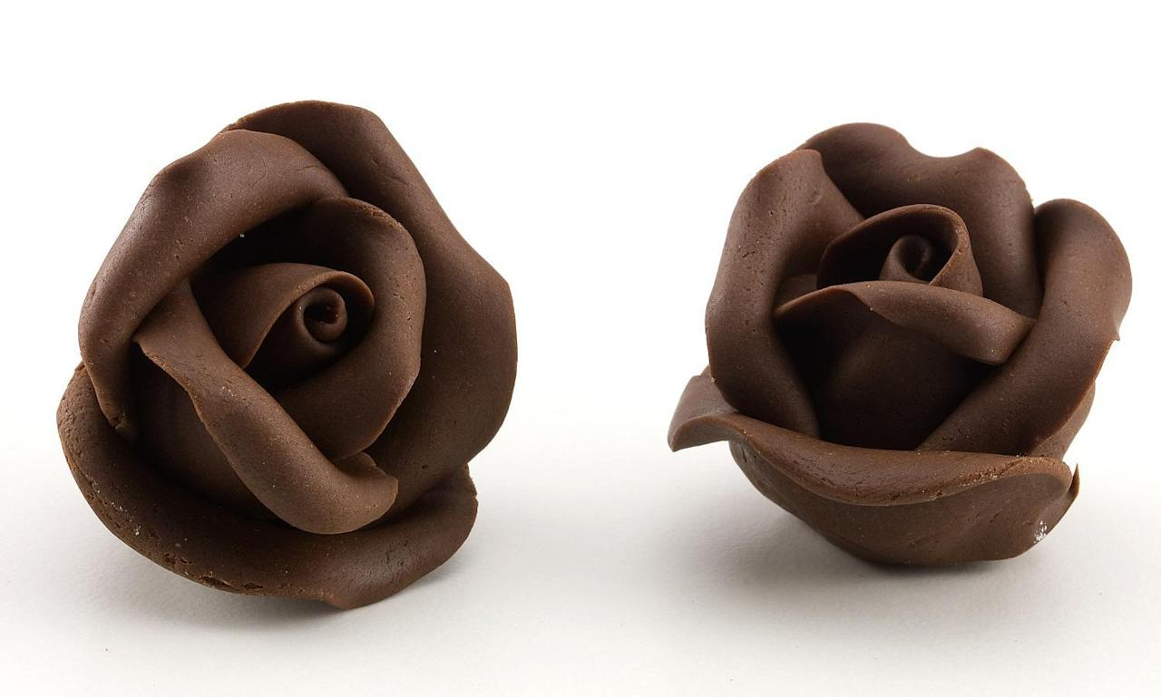 "<p>Chocolate and roses are the two most stereotypical Valentine's Day gifts. So why do these flower-shaped chocolates rank so low? Well, because these cheapo chocolate roses are found at basically every <a href=""https://www.thedailymeal.com/americas-best-supermakets?referrer=yahoo&category=beauty_food&include_utm=1&utm_medium=referral&utm_source=yahoo&utm_campaign=feed"">grocery store</a> and gas station. They taste more like chalk-olate roses than chocolate roses. We'd rather just chew on some <a href=""https://www.thedailymeal.com/eat/edible-plants-flowers?referrer=yahoo&category=beauty_food&include_utm=1&utm_medium=referral&utm_source=yahoo&utm_campaign=feed"">real edible flowers</a>.</p>"