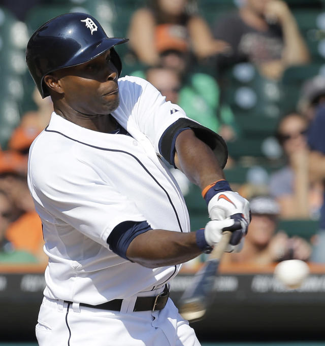 Detroit Tigers' Torii Hunter hits a walk off three-run home run to beat the Oakland Athletics 7-6 in a baseball game in Detroit, Thursday, Aug. 29, 2013. (AP Photo/Paul Sancya)