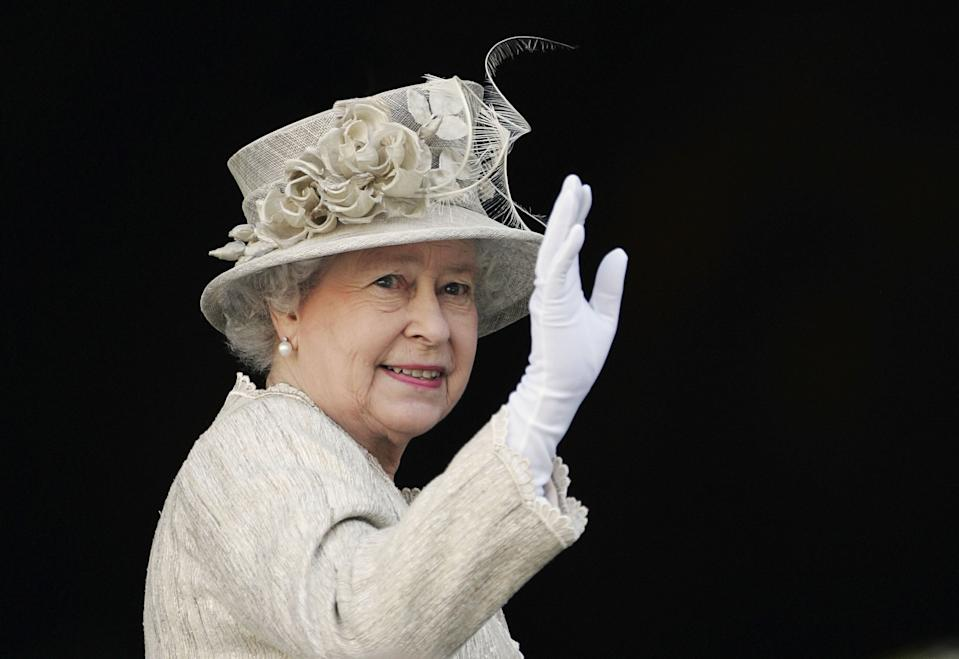 LONDON, ENGLAND - JUNE 15:  Queen Elizabeth II arrives at St Paul's Cathedral for a service of Thanksgiving held in honour of her 80th birthday, June 15, 2006 in London, England. (Photo by Tim Graham Photo Library via Getty Images)