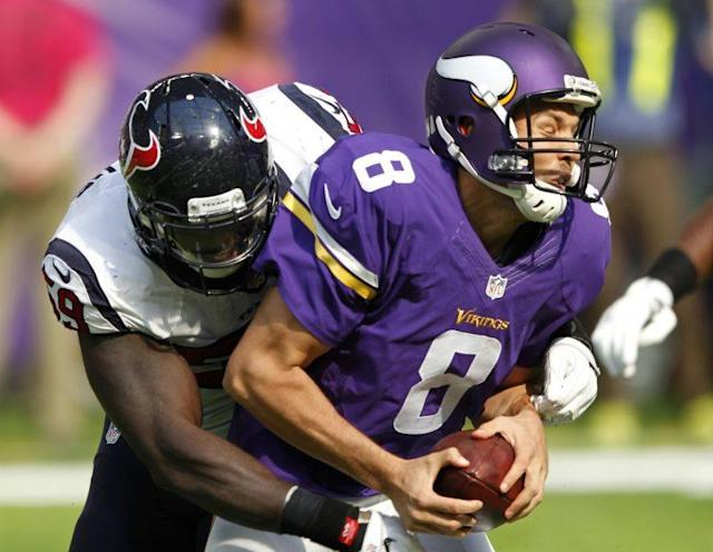 Will Sam Bradford take fewer shots in a Pat Shurmur's offense? (AP)